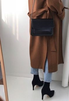 Best Outfits Part 34 Black Tees, Mode Outfits, Fashion Outfits, Womens Fashion, Fashion Trends, Fall Winter Outfits, Autumn Winter Fashion, Spring Fashion, Easy Style
