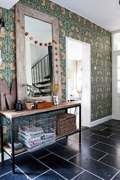 Gravity Home: A Green & Vintage Dutch Home Cottage Wallpaper, Home Wallpaper, Living Room Interior, Home Living Room, Apartment Therapy, Amsterdam, Gravity Home, Pretty Room, Hallway Decorating