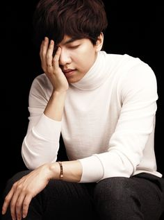 Lee Seung Gi --- Jewerer Brand, Cartier is holding the Photo Exhibition for charity.