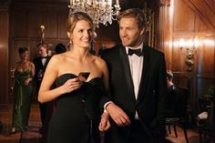 """Stana Katic and Brett Tucker on Castle from """"The Limey""""."""