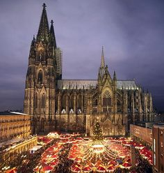 Weihnachtsmarkt in Köln, Germany                                                                                                                                                                                 Mehr