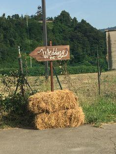 Una dolce indicazione.... #peperosedesign#wedding#cartello#degnaletica#shabby