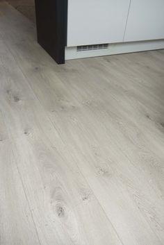 grijs laminaat voor slaapkamer | Home inspiration!! | Pinterest ...