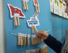 First Grade Crafts, Candles, Activities, Education, Games, School, Curtains, English, Art Kids