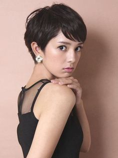 short hair cuts back view pixie hair cuts back view Cute Hairstyles For Short Hair, Pixie Hairstyles, Pixie Haircut, Pretty Hairstyles, Short Hair Cuts, Shot Hair Styles, Hair Styles 2016, Long Hair Styles, Asian Hair