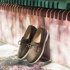 """Our greatest weakness lies in giving up. The most certain way to succeed is always to try just one more time."" Thomas A. Edison Comod, our #boatshoes in brown nubuck leather available online at www.velasca.com. Link in profile to #shop. #velascamilano #madeinitaly #shoes #shoesoftheday #shoesph #shoestagram #shoe #fashionable #mensfashion #menswear #gentlemen #mensshoes #shoegame #style #fashion #dapper #men #shoesforsale #shoesaddict #sprezzatura #dappermen #craftsmanship"