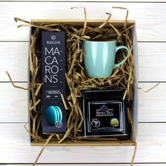 Gifts baskets for men seasons 59 ideas Gift Box For Men, Gift Baskets For Men, Christmas Gift Box, Xmas Gifts, Homemade Gifts, Diy Gifts, Personalised Gifts Diy, Gift Box Packaging, Diy For Men