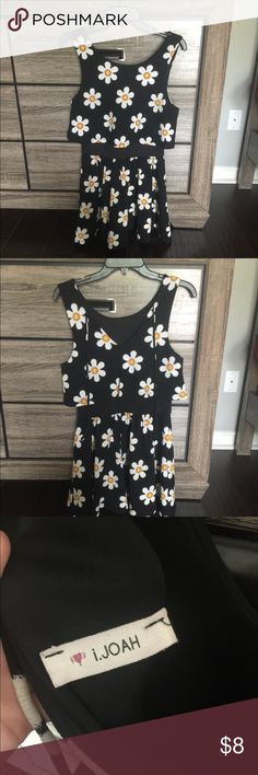 fcc9c753d2d158 Daisy dress Two layer black dress with daisies New condition Dresses