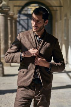 Tailored suit jacket made from a woolen herringbone fabric, fully lined. cotton (back lining and viscose (sleeve lining) Herringbone Fabric, Tailored Suits, Cold Day, Lab, Suit Jacket, Brown, Sleeves, Cotton, Jackets
