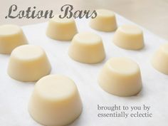 This Lotion Bar Recipe makes perfect DIY gifts for your friends and family. Just three ingredients create a natural and incredibly moisturizing lotion that will leave your loved ones begging for more. Diy Lotion, Lotion Bars, Diy Cosmetic, Diy Savon, Spring Twists, Do It Yourself Fashion, Be Natural, Natural Soaps, Natural Living