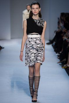 Giambattista Valli Fall 2016 Ready-to-Wear: I like this black and whit mixed print dress.