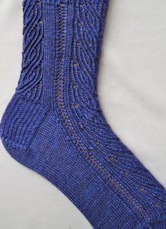 Socke Muster stricken Sinkende VineSpitze von WearableArtEmporium, $6.50