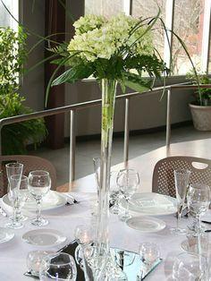 "20"" White Eiffel Tower Vases - 12pc | eFavorMart"