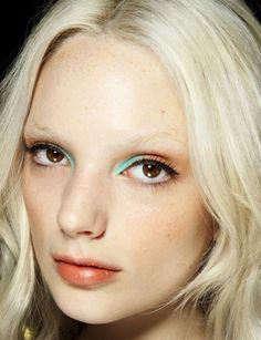 pop of color eye makeup