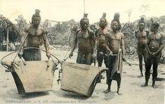 Carte postale: Avant 1920 Editeur: Imprimerie Delvaux, Huy Légende: Congo-Belge. - N. 117. - Tambours des Wasongola Pays: R.D. du Congo