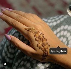 (notitle) - Taking Over the World plan - Henna Designs Hand Stylish Mehndi Designs, Mehndi Designs 2018, Bridal Henna Designs, Mehndi Designs For Girls, Henna Designs Easy, Mehndi Designs For Fingers, Beautiful Henna Designs, Henna Tattoo Designs, Mehandi Designs