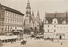 Zachodnia Fasada Ratusza, Widok Z Pl. So Architecture - maallure 5 W, Old Photos, Poland, Old Things, Louvre, Street View, Black And White, Architecture, City
