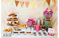 Coffee and Donut Tasting Bar. Add the coffee tasting bar to the crepe bar and it will be the perfect brunch. Donut Bar Wedding, Wedding Food Bars, Dessert Bar Wedding, Brunch Wedding, Wedding Desserts, Dessert Bars, Wedding Foods, Dessert Tables, Brunch Party
