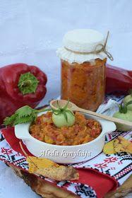 Hozzávalók : 3 kg kápia paprika, 2 kg zöldparadicsom, 1 kg sárgarépa, 1 kg hagyma, 1 l paradicsomlé, 4 dl olaj, só, bors. Elkészítés...