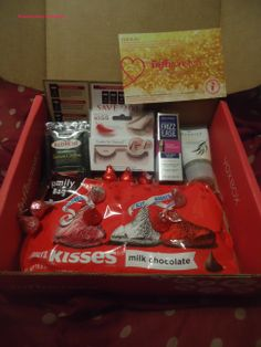 #JAdoreVoxBox #Influenster. All the products in my lovely voxbox.  Kiss Looks So Natural Lashes #KISSlashes . HERSHEY KISSES Milk Chocolate #loveandkisses yummy time. Boots Botanics Shine Away Ionic Clay Mask #PowerofPlants .John Frieda Frizz Ease 3-Day Straight Flat Iron Spray #3DayStraightLove . Red Rose Simply Indulgent Teas #SimplyIndulge . I received these products complimentary for testing purposes from Influenster.