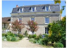 Grande Maison de Maître set in its own parkland with gite, swimming pool and stabling, Vienne, Poitou-Charentes>>€848,000 #france #house