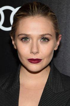 Elizabeth Olsen knows how to tone down a high impact makeup look: Elizabeth Chase Olsen, Elizabeth Olsen Scarlet Witch, Beauty Makeup, Hair Makeup, Hair Beauty, Makeup Geek, Eye Makeup, Beauty Secrets, Beauty Hacks