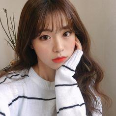 Ulzzang Korean Girl, Cute Korean Girl, Korean Beauty, Asian Beauty, Pretty Hairstyles, Girl Hairstyles, Korean Bangs Hairstyle, Wispy Bangs, Uzzlang Girl