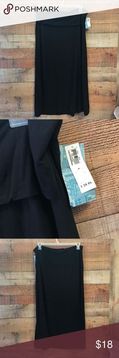 """NEW Old Navy Maxi Skirt Black, stretchy waist, 32"""" waist by 39"""" long Old Navy Skirts Maxi"""