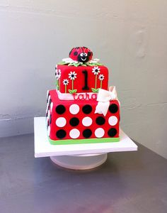 Red Velvet cake layered with Madagascar vanilla sweet cream cheese buttercream. Inspired by a cake by Pink Cake Box. 1st Birthday Cakes, Baby Girl 1st Birthday, Birthday Ideas, Birthday Parties, Ladybug Cakes, Ladybug Party, Crazy Cakes, Fancy Cakes, Pink Cake Box