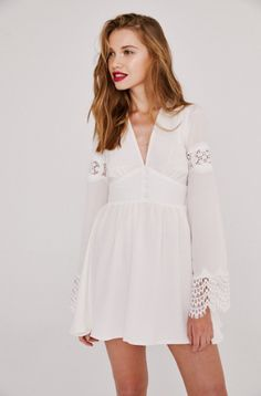 The FIJI Dress in White! #StoneColdFox