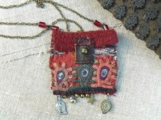 "Frenchmanufacture - necklace - pendant- pouch- ""on the road of Bundi"""