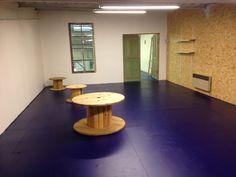 nouvelle espace terminé dans le Hang'Art des Créateurs. Cette pièce est la pour accueillir votre boutique éphémère. Nous la louons a la semaine.