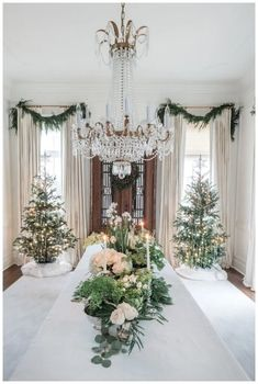 135 festive christmas staircase decor ideas page 6 Christmas Staircase Decor, Silver Christmas Decorations, Farmhouse Christmas Decor, Christmas Centerpieces, Holiday Decor, French Country Christmas, Classy Christmas, Christmas Home, Christmas Ideas