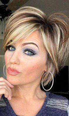 short hairstyles for thick hair Trending Hairstyles 2019 - Short Layered Hairstyles - EveSteps Short Layered Haircuts, Short Hairstyles For Thick Hair, Short Hair With Layers, Layered Hairstyles, Short Hair Cuts, Easy Hairstyles, Beautiful Hairstyles, Medium Hair Styles, Curly Hair Styles