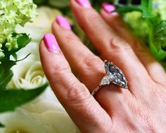 Well I never, a Fancy Grey diamond from De Beers that caught my eye at Paris Fashion Week. Share with a sophisticated diamond fan who would appreciate this unusual beauty. Can you guess the carat size? @debeersofficial #jewellery #DeBeers #diamond #ring #engagement #engagementring #greydiamond #luxury #jewelry #fashion #wedding