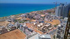 תמונה: Luxury Real Estate, Israel, Paris Skyline, Mansions, House Styles, Home Decor, Mansion Houses, Homemade Home Decor, Manor Houses