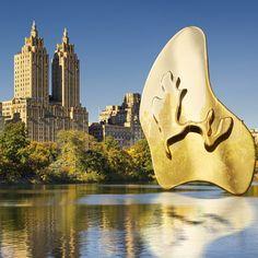 """Pendiente """"THE LAKE"""" de Catalina D'Anglade. Cápsula inspirada en los lagos de Central Park de New York. Cata, Central Park, Collages, Surfboard, Earrings, Lakes, Ear Rings, Stud Earrings, Collagen"""