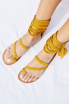 226ae55a902b 671 Best shoes images in 2019