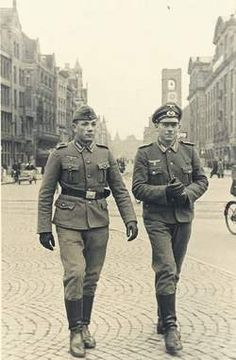 1941. German soldiers on Dam Square in Amsterdam. #amsterdam #worldwar2
