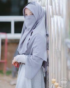 "aisyah bercadar shared a photo on Instagram: ""Karena muslimah begitu istimewa . Follow @annisabercadar 💗 Follow @annisabercadar 💗 . . Tag…"" • See 792 photos and videos on their profile. Muslim Fashion, Hijab Fashion, Paper Quilling Designs, Niqab, Raincoat, Photo And Video, Elegant, Jackets, Profile"