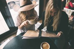 Ideas Photography Friends Cafe For 2019 Coffee Barista, Coffee Drinks, Coffee Shop, Best Friend Pictures, Friend Photos, People Drinking Coffee, Friends Cafe, Cheap Coffee Maker, Coffee With Friends