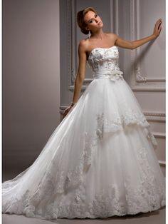 Robe de bal encolure dégagée robe de mariage en tulle organza