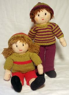 Jesse and Josie are best friends.  They are big enough for rough and tumble games, but small enough to cuddle at bedtime.   Josie wears a stripy hat and jumper with long trousers and shoe.  Jessie wears a bobble hat , single stripe jumper, short trousers and shoes. A clear and detailed 18 page pattern with numbered rows is full of photos and information