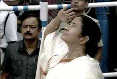 Mamata Banerjee turns Independence Day into Republic Day in Kolkata