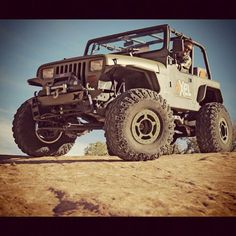 AXEL YJ; I like the fenders.