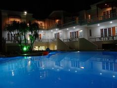 Perla Beach Agia Marina Perla Beach is located in Agia Marina, just a few metres from the beach and bars. This charming hotel offers spacious self-catering studios, a swimming pool and free parking. Free WiFi is available in public areas.