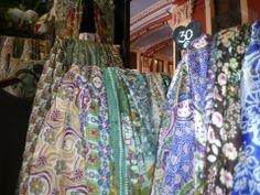 Estos pañuelos tiene un éxito tremendo entre las turistas, y en especial, entre las japonesas y las coreanas.