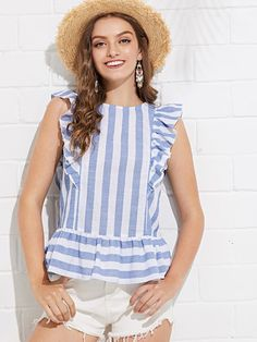 To find out about the Ruffle Trim Striped Top at SHEIN, part of our latest Blouses ready to shop online today! Blouse Styles, Blouse Designs, Summer Outfits, Cute Outfits, Western Tops, Mode Hijab, Cotton Blouses, Look Chic, Mode Style