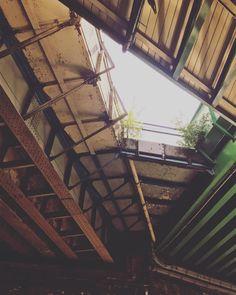 #londonlicious #bermondsey #instadaily #wanderlust #cityrambler #structure #underthebridge #londonmylove #boroughmarket