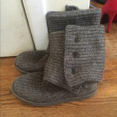 Classic Cardy Knit Uggs in Gray These are in pretty good condition! All imperfections and wear are shown in the pictures. I love trades and offers so don't be shy!  UGG Shoes Winter & Rain Boots